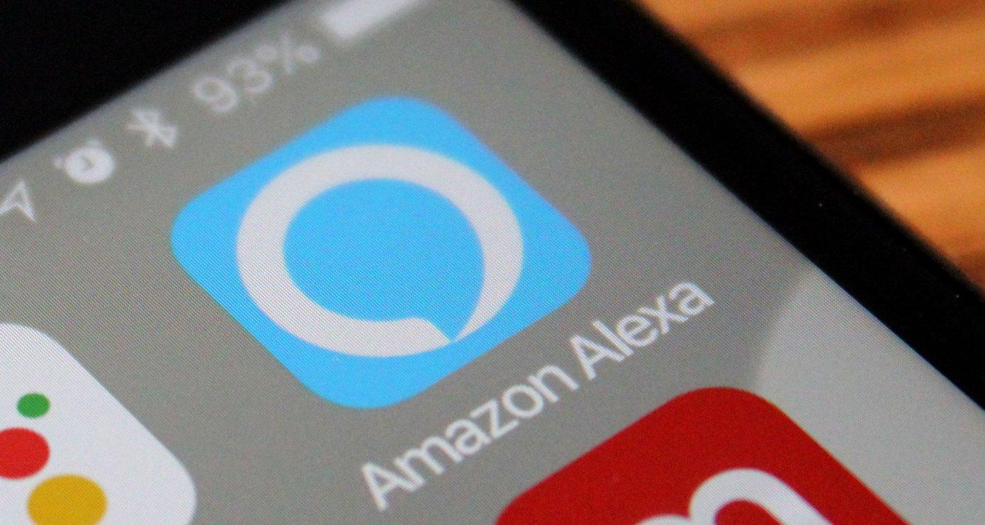 amazonのアプリが表示されたスマートフォン画面