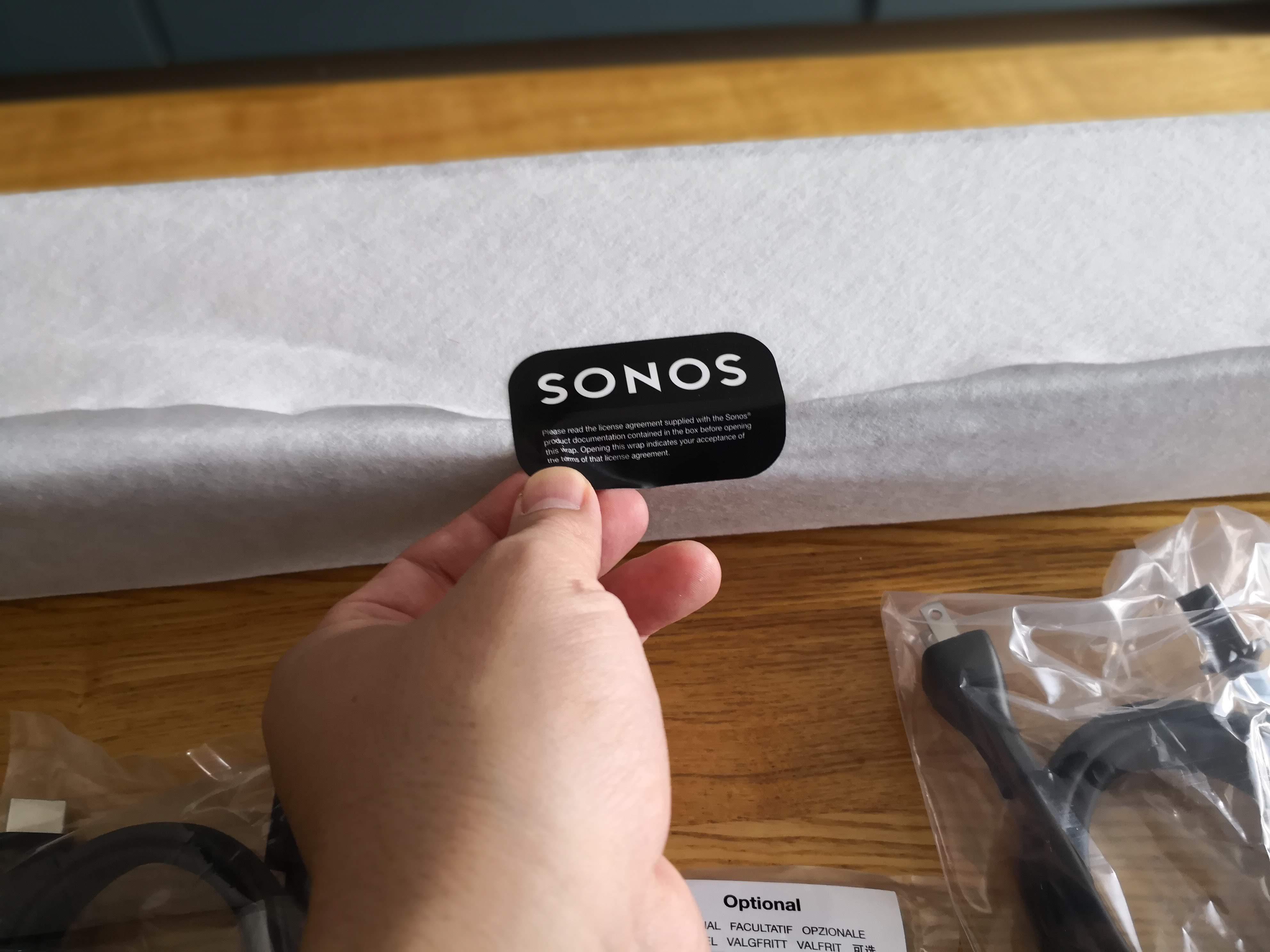 SONOSのロゴが書かれたシール