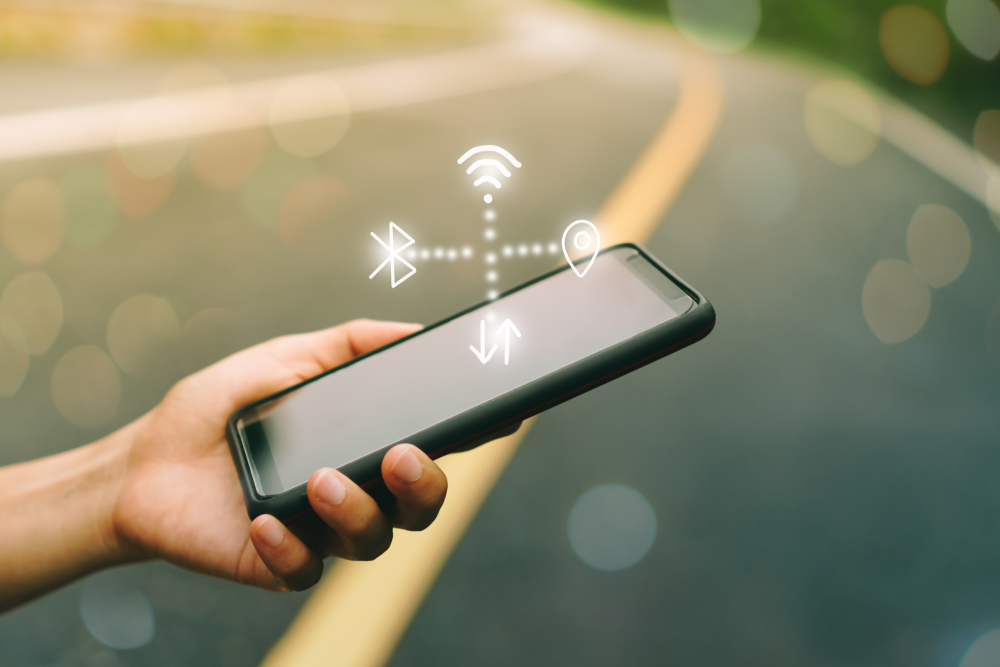 スマートフォンと無線ネットワークのイメージ画像